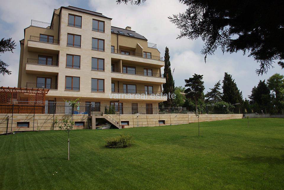 Продава апартамент в луксозна сграда в елитен район N1414