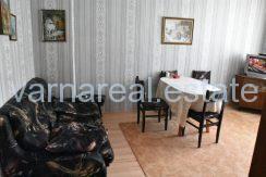 Продава Обзаведен тристаен апартамент гр. Варна
