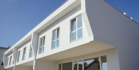 Модерна нова къща м-т.Траката, Варна