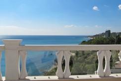 Продава луксозен апартамент във Варна на брега на Черно море N 1404