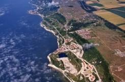 Продава неповторим имот 100 декара до голф игрище на морския бряг