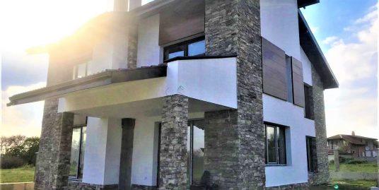 Продава нова къща в с.Близнаци до Варна